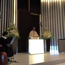 牧師と聖歌隊