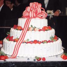可愛い特大ウエディングケーキ!