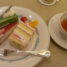 ウェディングケーキ、デザートビュッフェ