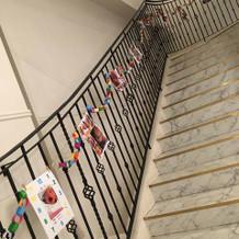貸切なので階段も自由に飾り付けができた。