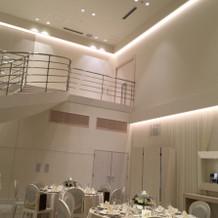 宴会場内の階段