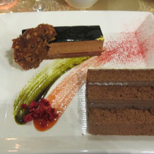 ガトーショコラとウエディングケーキ