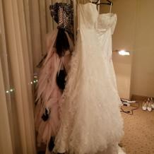 ドレスを飾っておいてくださいます!