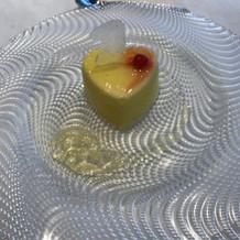 デザートは普通にオシャレで美味しかった。