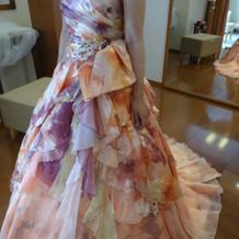 プリント柄のドレスです。