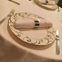 テーブルセットもシンプルで好みです。