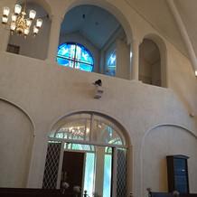 教会内部 後方