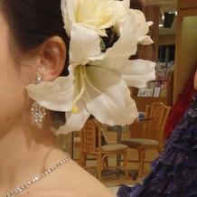 百合とバラの造花