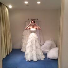 二次会用のドレス。軽くできている。