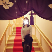 神殿へ続く階段。