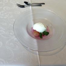 ぶどうゼリーとアイス(お料理試食)