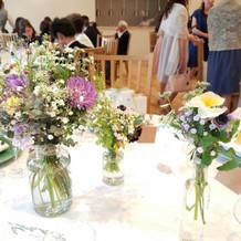 ゲストテーブルの素敵なお花
