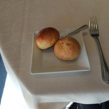 パン2つ(ブライダルフェアお料理試食)