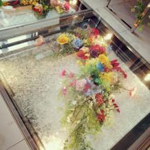 チャペルのバージョンロードのお花