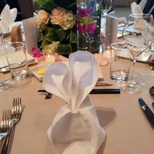 テーブル装花 ナプキンのオーダーもOK