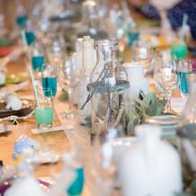 パーティー会場のテーブル