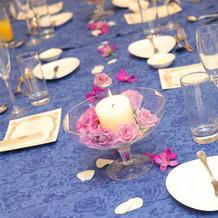 テーブル装花はキャンドル付きに