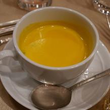 温製かぼちゃのスープ