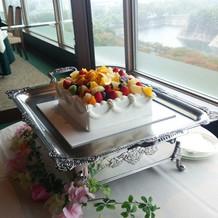 ゲストで盛り付けたケーキ