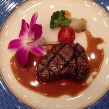 国産ロース肉ステーキ