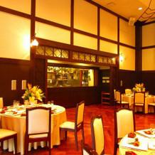 披露宴会場と一体のオープンキッチン