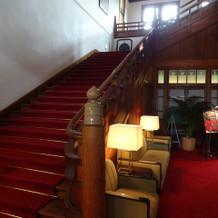 ロビーの階段。写真スポットです!