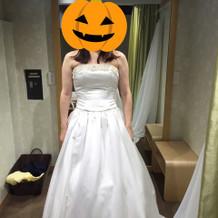 プラン内ドレスに1万円の胸飾り