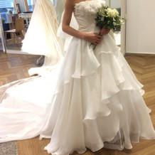 イタリア製の白ドレス