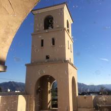 南フランスの鐘がモチーフ