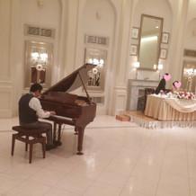 余興がなかった為、新郎がピアノ演奏