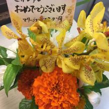 控え室にお花をプレゼントしてくれてた