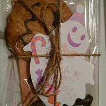 オリジナルクッキーを配りました。