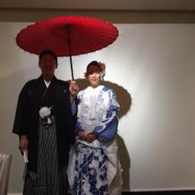 和装を正面から。番傘は借りました。