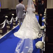 ウエディングドレス。
