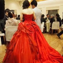 カラードレスも素敵なのが多いです。