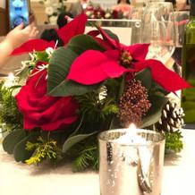 テーブル装花はクリスマスをイメージ