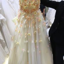 ドレス正面