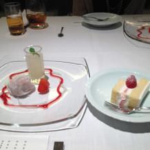コースデザートと生ケーキ
