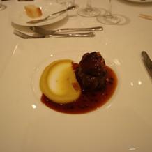 牛フィレ肉とフォアグラ、トリュフソース
