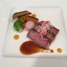 お肉料理。柔らかくてとても美味しい