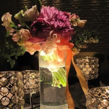 お花と照明とお花の演出。