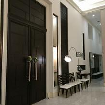 メインの扉も大きくて素敵です