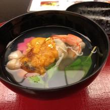 和食の華やかな椀物です。