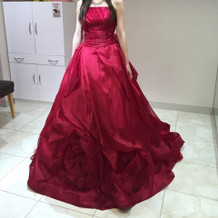 赤のドレス