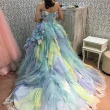 イノセントリーのカラードレス