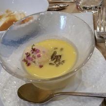 トウモロコシの冷たいスープ。