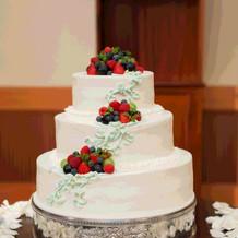 生のデコレーションケーキ