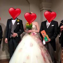 お色直しのドレス。両親もクチュールナオコ