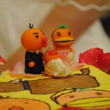オリジナルデザインケーキとマジパン人形