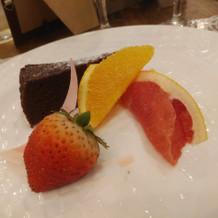 ガトーショコラとフルーツ